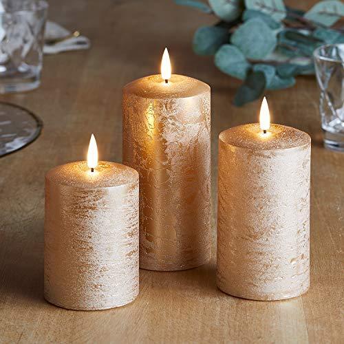 Lights4fun 3er Set Echtwachs TruGlow® Kerzen kupfer mit warmweißer LED Flamme und Timer 10/12,5 / 15cm