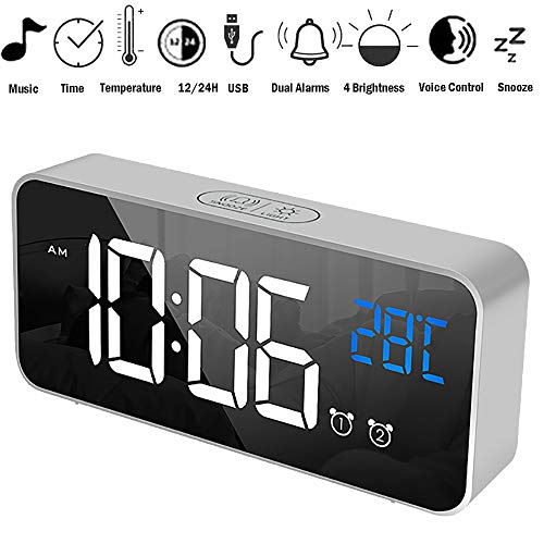 ALLOMN Sveglia Digitale, Controllo Vocale Orologio da Viaggio Intelligente Tavolo da Tavolo Comodino Orologio Funzione di Snooze, Retroilluminazione Notturna, Batterie USB e AAA Alimentato (Verde)