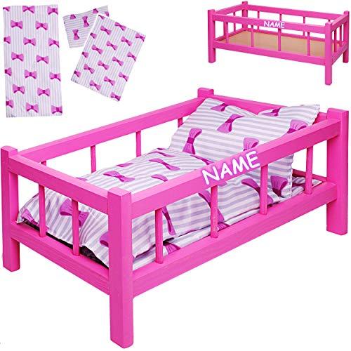 alles-meine.de GmbH Set: großes - Puppenbett aus Holz - inkl. Name - mit Bettzeug - 43 cm lang - Mädchen - Bett aus Buntem Naturholz - für große Puppen groß - Matratze Decke & Ko..