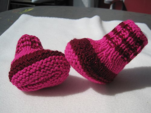Strickanleitung Babyschuhe weinrot-pink, ohne Nadelspiel, einfach zu stricken: Schritt für Schritt Anleitung