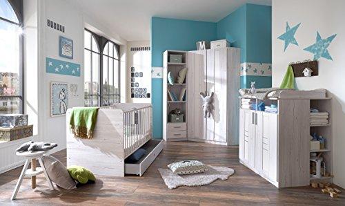 Dreams4Home Babyzimmer Set 'Holmes I' - Bett, Eckschrank, Wickelkommode, Unterschrank, Bettschubkasten, Regal, Babyzimmer, Kinderzimmer, in Weißeiche Nachbildung - Absätze in Ice White