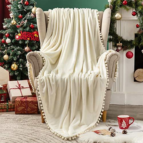 MIULEE Kuscheldecke Weihnachten Fleecedecke Flanell Decke Mit Pompoms Einfarbig Wohndecken Couchdecke Flauschig Überwurf Tagesdecke Sofadecke Blanket Für Bett Sofa Schlafzimmer Büro 125x150 cm Weiß