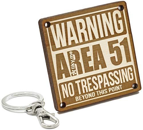 LIKY Area 51 - Schlüsselanhänger aus Holz, graviert, für Damen und Herren, Fans von UFOs und Aliens Glücksbringer Schmuck Anhänger für Taschen und Rucksäcke