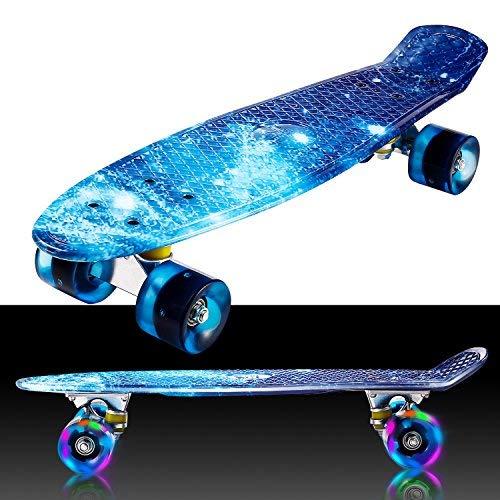 Buyi-World - Mini skateboard con luci a LED da 22', per principianti, ragazzi e adulti, portata fino a 80 kg