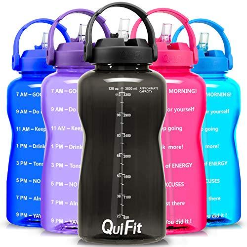 QuiFit, borraccia senza BPA, 3,8 l, con cannuccia, con impugnatura stampata, grande bottiglia per drink XL, fitness, palestra, sport, in plastica (nero, 3,8 L)