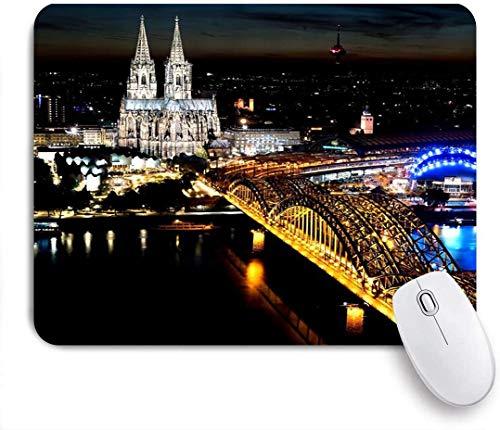 Alfombrilla para ratón, Colonia Alemania Escena Nocturna Urbana Catedral Negra Puente Hohenzollern Rin Brillante Luz de la Ciudad, 9,5 x 7,9 pulg.