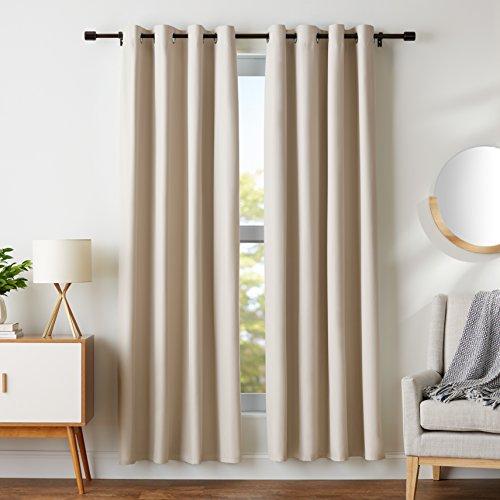 Amazon Basics - Juego de cortinas que no dejan pasar la luz, con ojales, 117 x 183 cm, Beige