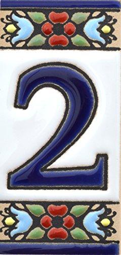 Hausnummer. Schilder mit Zahlen und Nummern auf Keramikkachel. Handgemalte Kordeltechnik fuer Schilder mit Namen, Adressen und Wegweisern. Design FLORES MINI 7,3 cm x 3,5 cm (Nummer ZWEI