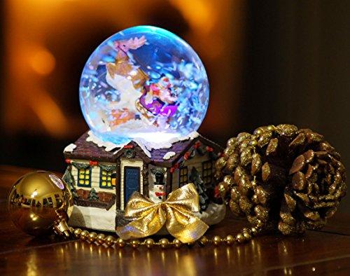 Wichtelstube-Kollektion XL LED Schneekugel Weihnachten elektrischer Schneewirbel, viele Melodien und Farbwechsel Weihnachtshaus Glitzerkugel