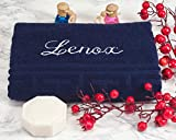 AngelicArt Personalisiertes Handtuch mit Namen, bestickte Handtücher (Dunkelblau, 50 x 100 cm)