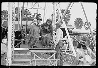 HistoricalFindings Photo: Ferris Wheel Ride,Carnival,Brownsville,Texas,TX,February 1942,Arthur Rothstein