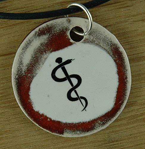 Echtes Kunsthandwerk: Schöner Keramik Anhänger mit dem Äskulapstab; Asklepiosstab, Pharmazie, Medizin, Symbol, Natter, Schlange, Stab