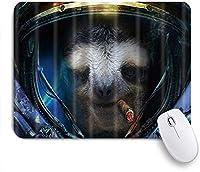 KAPANOUマウスパッド 宇宙の野生動物ナマケモノの葉巻はスーツを着ます ゲーミング オフィス おしゃれ 防水 耐久性が良い 滑り止めゴム底 ゲーミングなど適用 マウス 用ノートブックコンピュータマウスマット