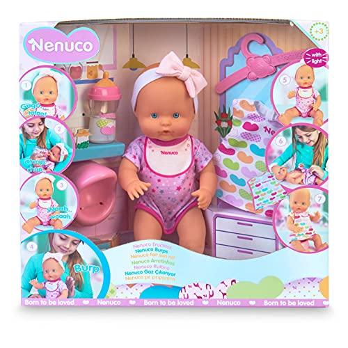 Nenuco - ¿Un eructito?, muñeco bebé electrónico con sonido que llora se ilumina su babero y eructa después del biberón, hace pipi en el orinal, para niños y niñas de 3 años, Famosa (700016670)