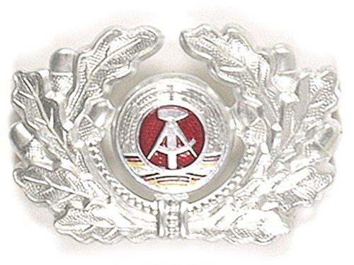 A. Blöchel Bundeswehr & NVA Mützenabzeichen Metallabzeichen Barettabzeichen verschiedene Truppengattungen (NVA Soldat)