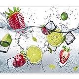 murando - Fototapete selbstklebend Küche 392x280 cm Tapete Wandtapete Wandbilder Klebefolie Dekofolie Tapetenfolie Wand Dekoration Wohnzimmer - Obst Limone Erdbeere grün weiß rot Wasser 10110908-2