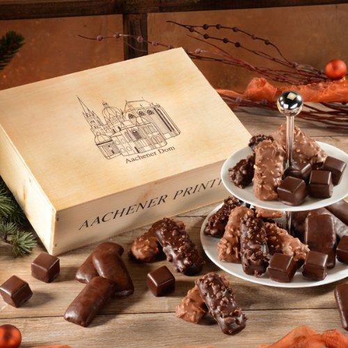 Alt Aachen - rustikale Holzkiste gefüllt mit Aachener Spezialitäten. Bereiten Sie damit eine besondere Freude.