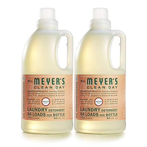 Mrs. Meyer's Clean Day Liquid Laundry Detergent, Cruelty Free and Biodegradable Formula Infused with Essential Oils, Geranium Scent, 64 oz - Pack of 2 (128 Loads)
