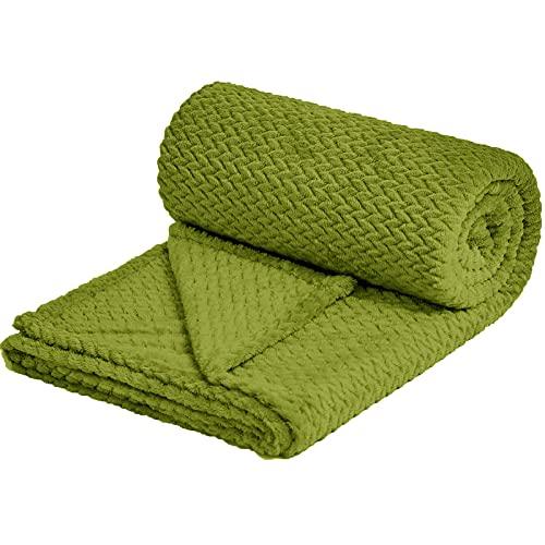 NEWCOSPLAY Super Soft Throw Blanket Premium Silky Flannel Fleece Leaves Pattern Lightweight Blanket All Season Use (888-Green, Throw(50'x60'))
