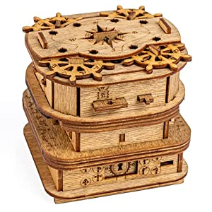 ESCAPE ROOM SPIEL - Legenden nach soll der Seeteufel Davy Jones die Seelen der verstorbenen Seeleute in die Holz Box gesperrt haben. Wirst du das mysteriöse Rätsel, um die Knobelbox lösen können? ÜBERRASCHUNG - Wir haben uns als Belohung für die Lösu...