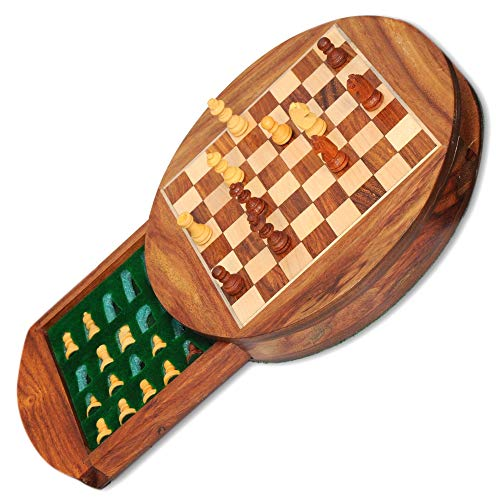 Pytho Round Wooden Chess Set with Magnatic Board and Hand Carved Chess Pieces   Size: Small, 6 X 6 Inches   Pocket Travel Chess