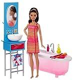 Barbie Mobilier Coffret Salle de Bain avec poupée en robe, baignoire, lavabo, miroir et accessoires de douche, jouet pour enfant, DVX53