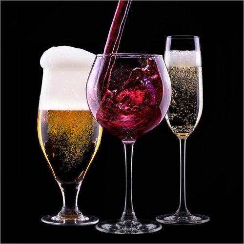 Posterlounge Acrylglasbild 20 x 20 cm: Getränke - Bier, Wein und Sekt von Editors Choice - Wandbild, Acryl Glasbild, Druck auf Acryl Glas Bild
