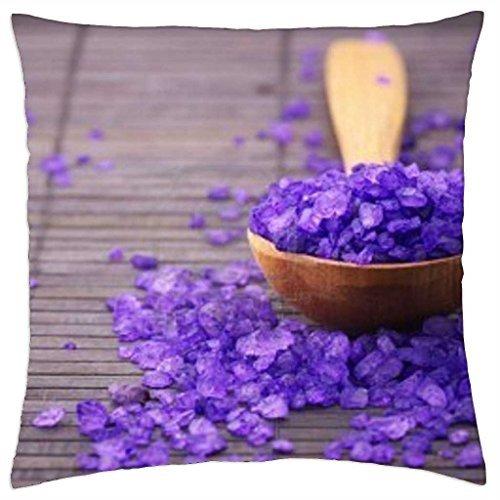 violet-bad-zout-in-hout-lepel-op-bruin-mat - Kussensloop (16