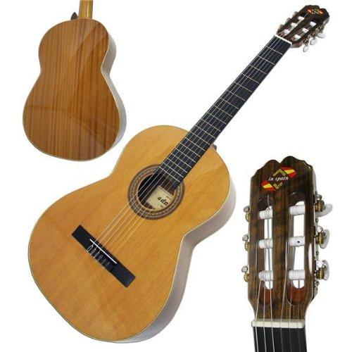 Admira Gitarre Sevilla (klassisch mit massiver Wacholderdecke)