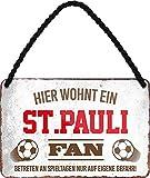 Blechschilder HIER WOHNT EIN ST. Pauli Fan Hängeschild für Fußball Begeisterte Deko Artikel Schild Geschenkidee 18x12 cm