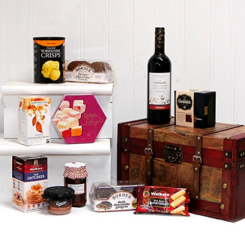 75cl Versare Red Wine and Treats Chest Food Hamper - Ideas for Valentines, Mother's Day, Birthday, Business and Corporate