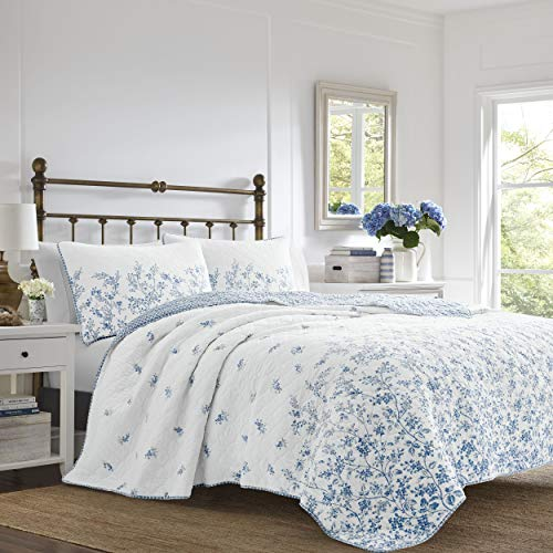 Laura Ashley - Flora Collection - Quilt Set - 100% Cotton, Reversible Bedding with Matching Sham(s), Pre-Washed for Added Softness, King, Blue