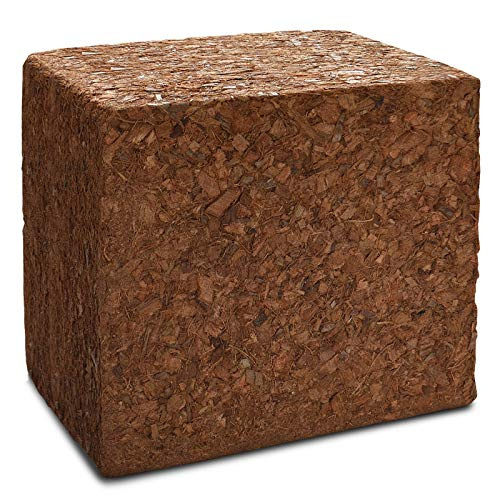 Mulch aus 100% Kokos - ergibt nach Wasserzugabe ca. 45 Liter Hackschnitzel - praktisch zum 5 kg Block gepresst - umweltschonende Rindenmulch-Alternative - Kokos Husk Chips für Beet, Terrarium usw.