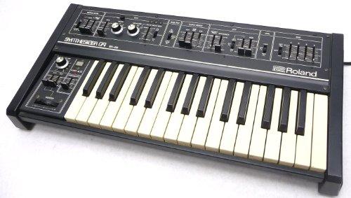 Roland SH-09 Vintage Synthesizer keyboard