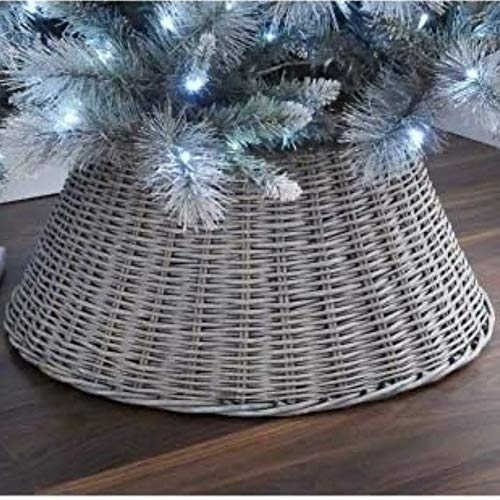 Dawsons Living Christmas Tree Skirt - Rattan Wicker Christmas Tree Trunk Basket Guard - For Trees 7 Foot and Above (67cm Diameter, Grey Wash)