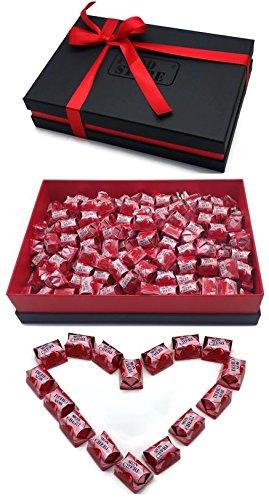 Ferrero Mon Cherie XXL Geschenkset mit 180 Pralinen - die kleine Kostbarkeit für Ihre Liebsten - perfekt zum verschenken, Lieferung mit hochwertigem Geschenkkarton