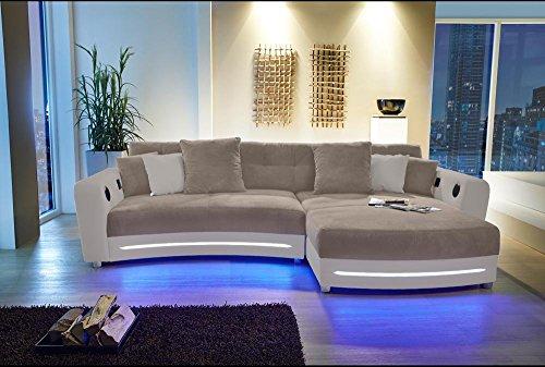 lifestyle4living Ecksofa in Beige (Kunstleder und Microfaserstoff) inkl. Multimediapaket | Sofa hat 6 Kissen | Funktionssofa mit LED-Beleuchtung