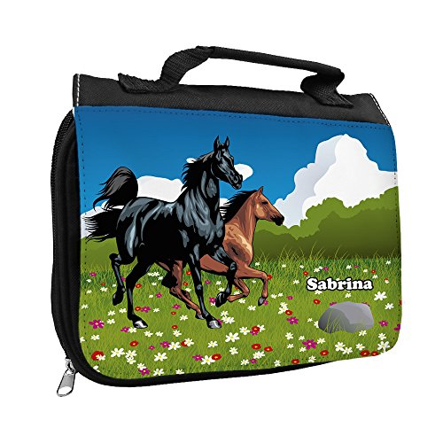 Kulturbeutel mit Namen Sabrina und Pferde-Motiv für Mädchen | Kulturtasche mit Vornamen | Waschtasche für Kinder