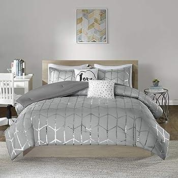 Intelligent Design Raina Comforter Set Metallic Print Geometric Design Modern Trendy All Season Bedding Set Matching Sham Decorative Pillow Grey/Silver Full/Queen 5 Piece