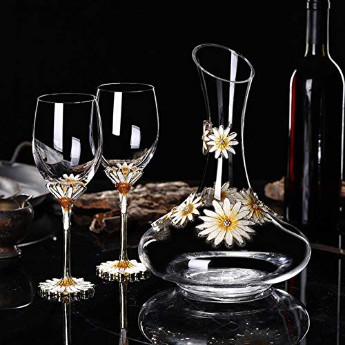 Pakopjxnx Champagne glasses Wedding glasses bar drinkwarec wine glass cup Europe goblet Lead-free crystal cups,2 cups 1 decanter