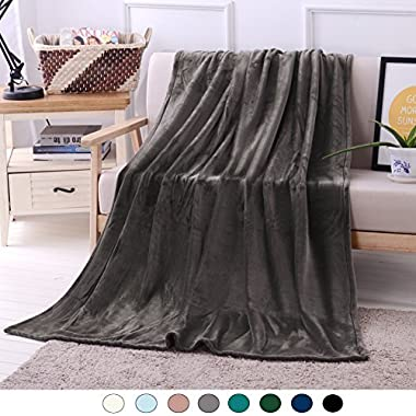 Exclusivo Mezcla Luxury Flannel Velvet Plush Throw Blanket – 50  x 70  (Grey)