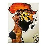Klassische afrikanische Frau malt abstrakte Sonnenuntergang
