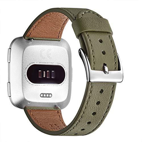 WFEAGL für Fitbit Versa Armband,Lederband mit Edelstahl-Verschluss für Fitbit Versa/Versa 2 /Versa Lite/Versa SE Fitness Smart Watch(Silber) (Olivgrün/Silber)
