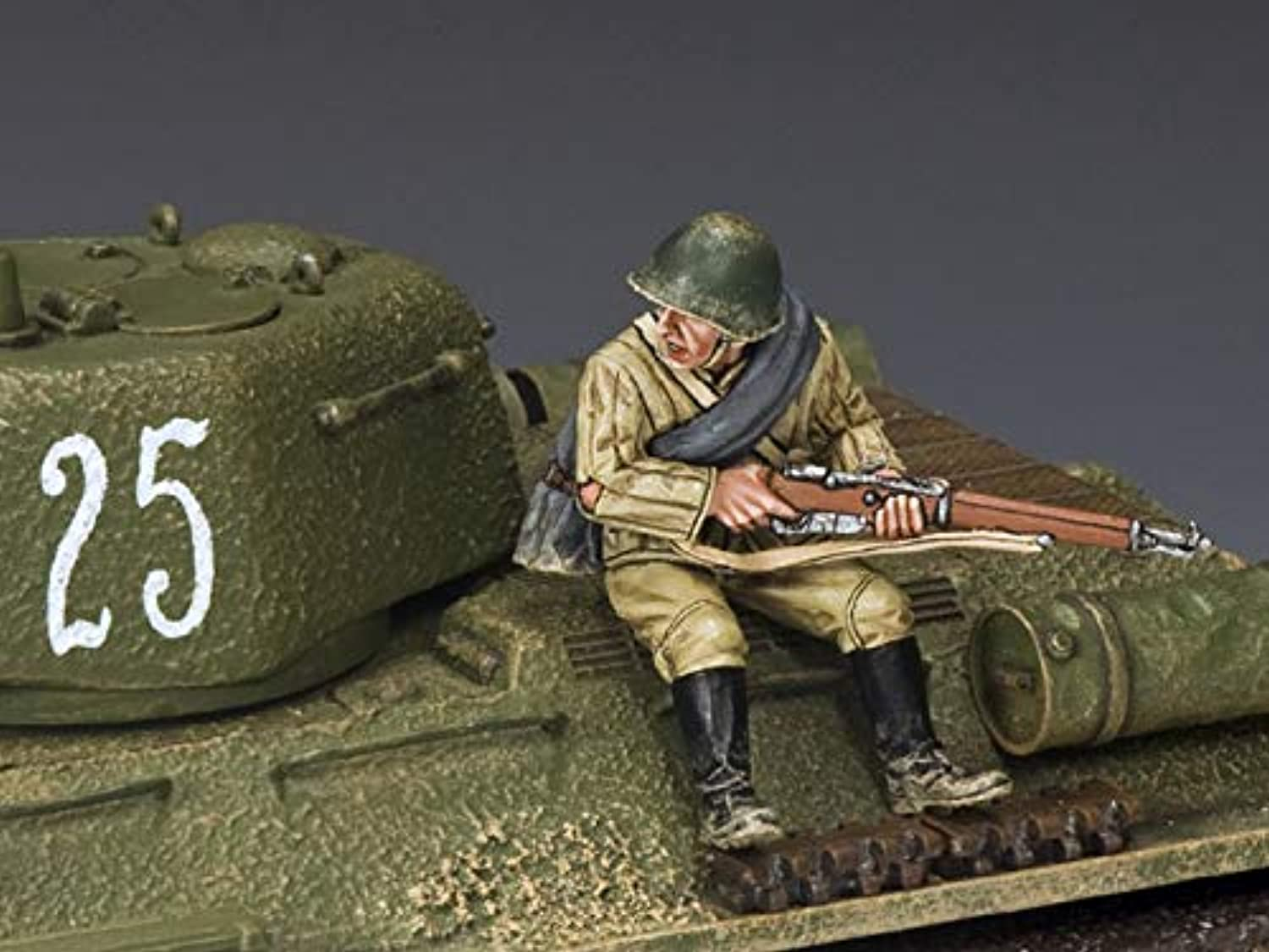 King & Country Toy Soldiers Russian Army RA047 Russian Red Army Sitting with Rifle 1 30 Scale Pewter