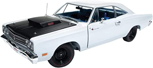 Auto World 1969 Plymouth Road Runner Hard Top, Looney Tunes AMM1147 - 1/18 Scale Diecast Model Toy Car