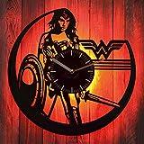StarlingShop Wonder Woman DC Comics Reloj de Pared de Vinilo con luz led Wonder Woman Reloj de Pared con luz de Vinilo Decoración de la Pared Interior La Mejor Idea Interior decoración Interior única