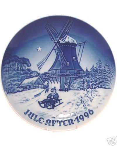Assiette de Noël Bing & Grondahl 1996 – « Winter at the Old Mill Mill » – Porcelaine danoise fine – Édition limitée – Livrée dans une boîte