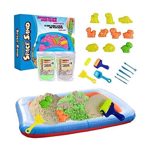 Leo & Emma Space Sand 1.8kg Dinosaurier Set 20tlg. 8 Förmchen mit Tieren, Schaufel, Modellierwerkzeug, Mini-Sandkasten Therapiesand - Neues Modell TÜV Rheinland getestet (0.9kg grün und 0.9kg weiß)