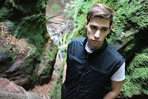 AyeGear V26 Vest with 26 Pockets, Dual Pockets for iPad or Tablets, Black XXL