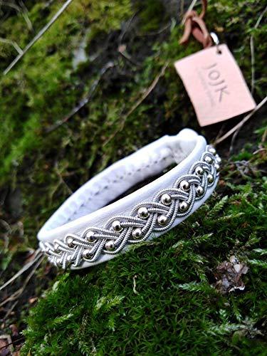 Traditionelles Rentierleder Sami Lappland Armband mit Silber Zinnfaden auf Rentierleder Modell 39